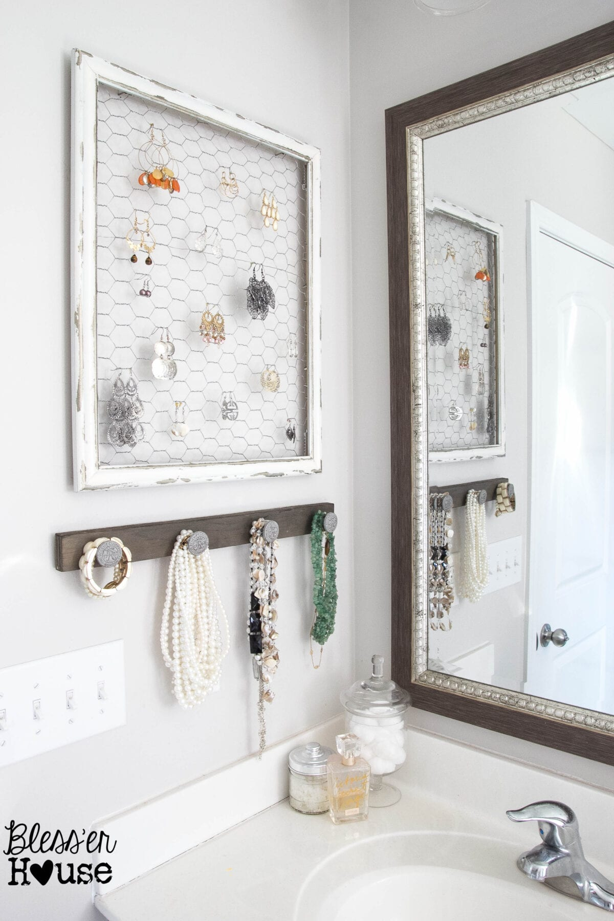 Diy rustic industrial jewelry organizer bless 39 er house for Bathroom decor and storage