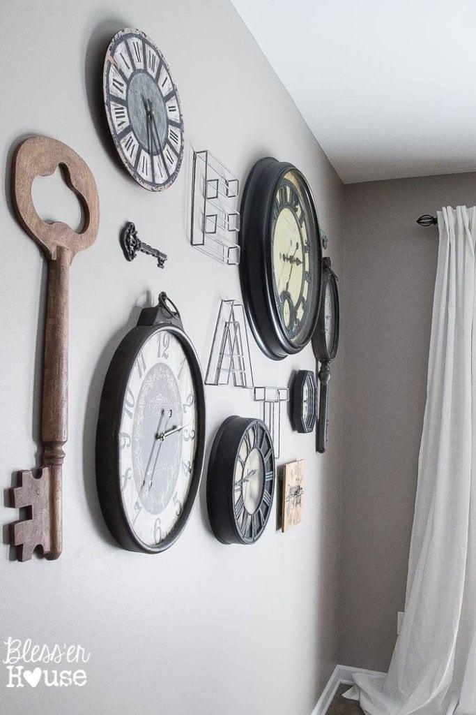 aged-metal-clock-key-gallery-wall (10 of 10)