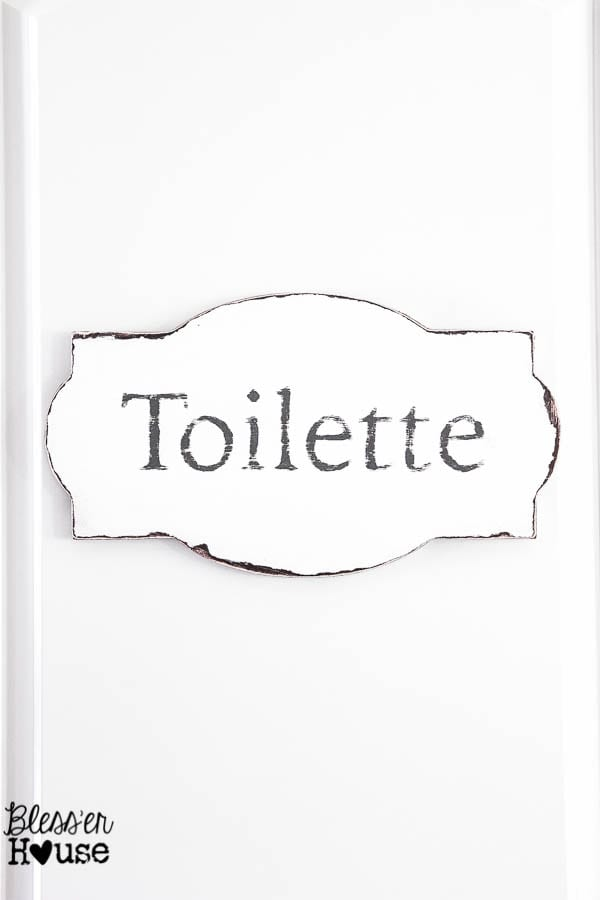 Simple and Cheap French Rustic Bathroom Sign