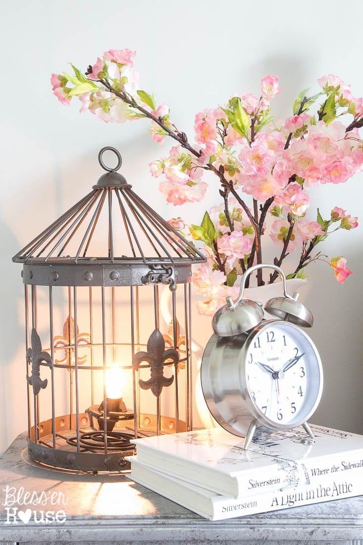 Diy birdcage lamp for Birdcage bedroom ideas