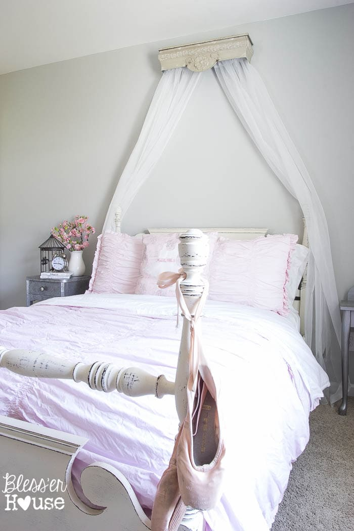 diy canopy crown from a repurposed shelf. Black Bedroom Furniture Sets. Home Design Ideas
