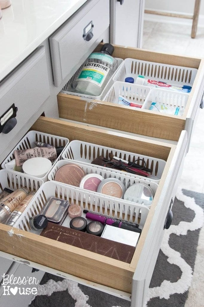 Dollar Store Bathroom Drawer Organization (4 of 7)