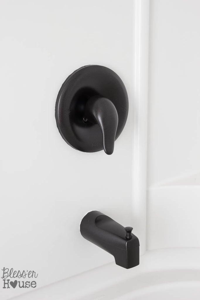 How To Spray Paint Shower Fixtures Easy DIY Method Blesser House - Spray paint bathroom fixtures