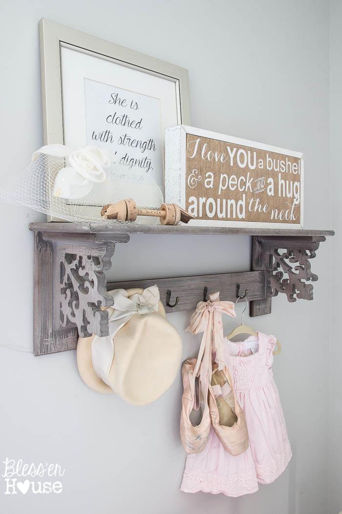 Child S Room Vignette Amp Rustic Sign Giveaway
