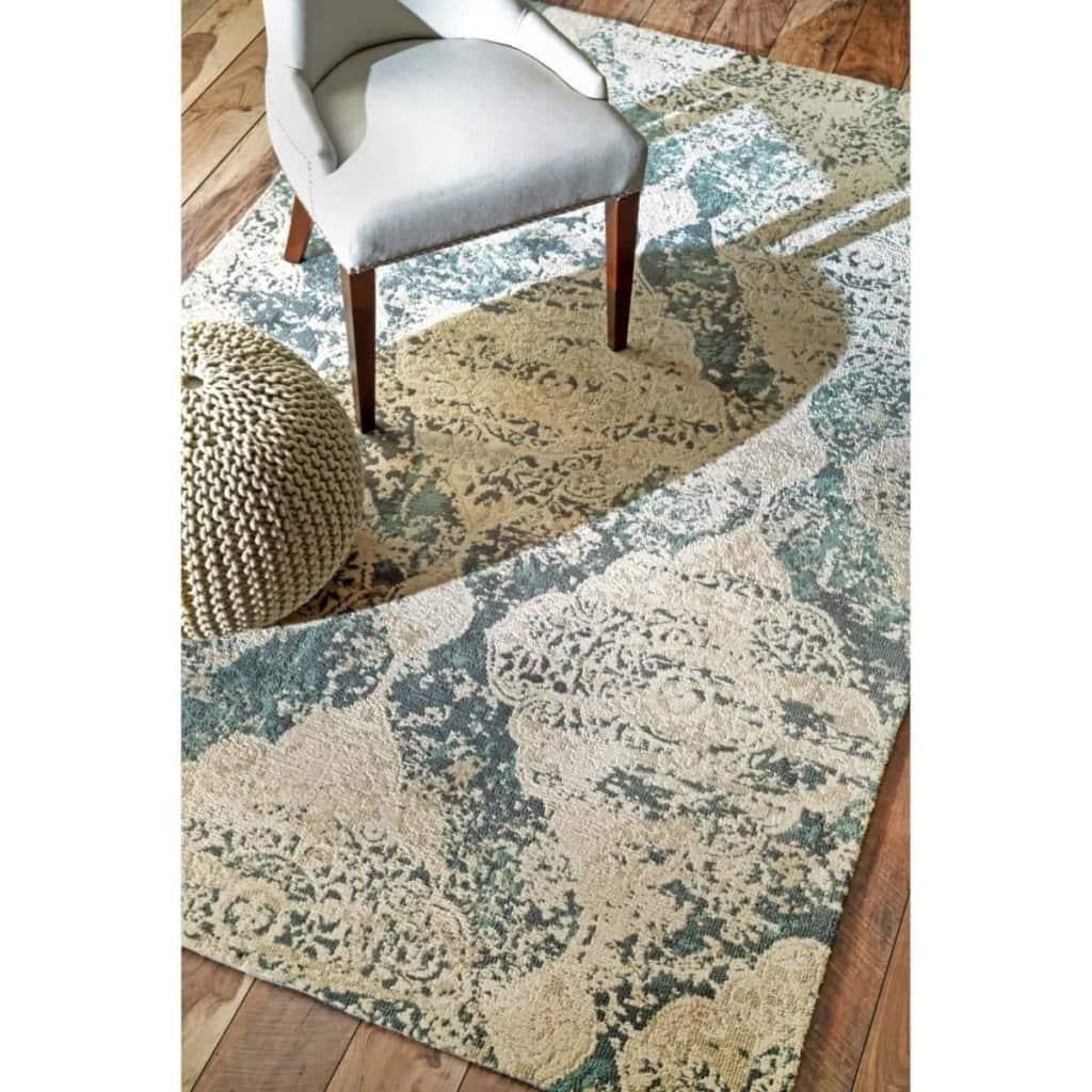 Modern Rustic Master Bedroom Design Plan | www.blesserhouse.com | vintage grey rug