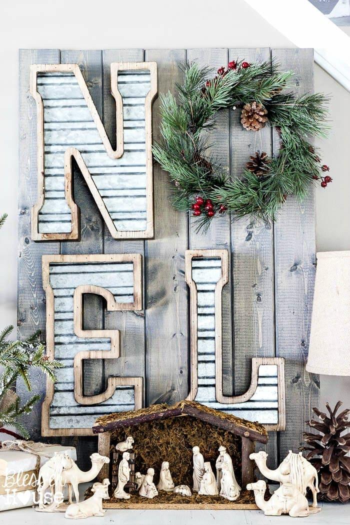 DIY Metal and Wood Christmas Sign