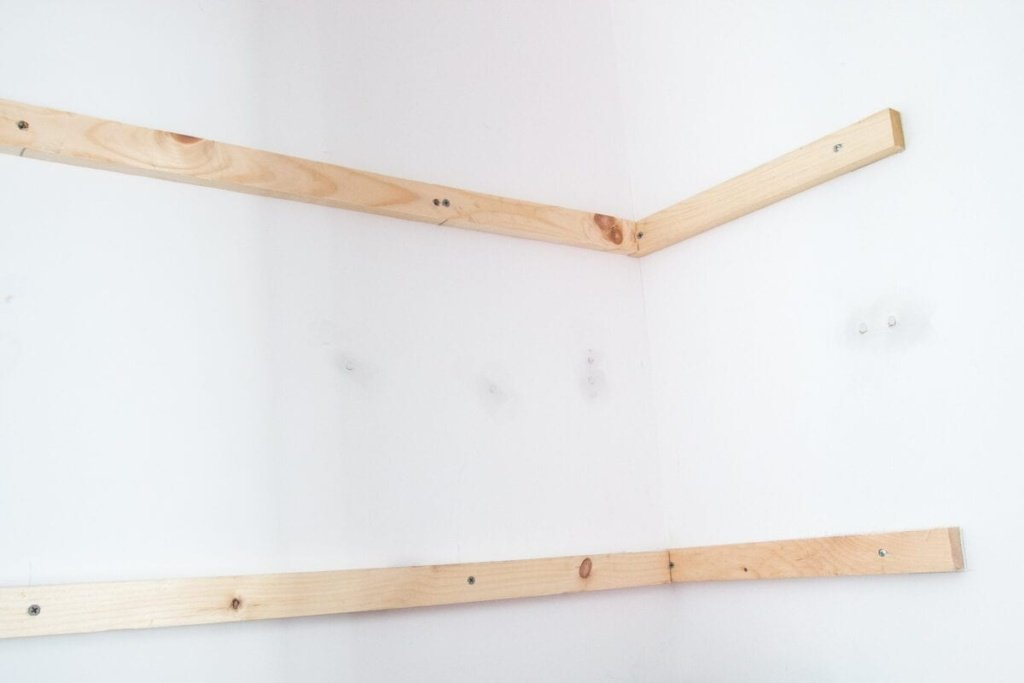 Basic DIY Closet Shelving   blesserhouse.com   Super awesome beginner home improvement project! And gets rid of those crappy wire shelves. Ew.