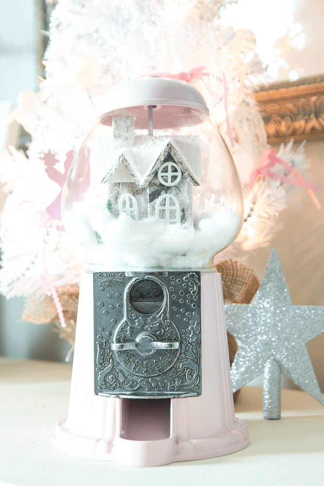 Thrifty Christmas decorating idea: spray paint an old gumball machine and make it into a snow globe