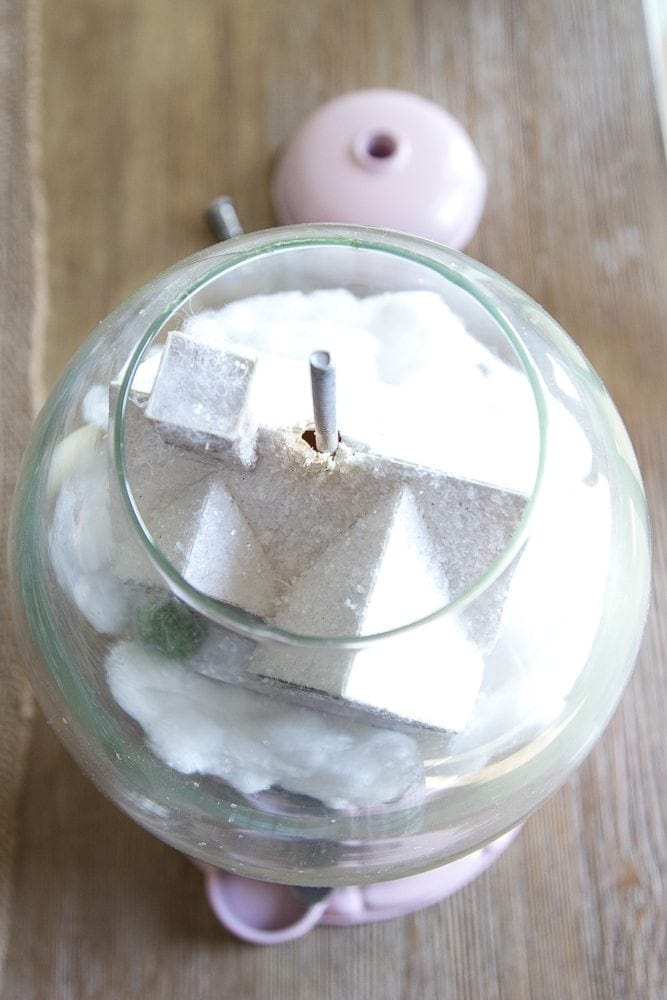 DIY Snow Globe Gumball Machine | blesserhouse.com