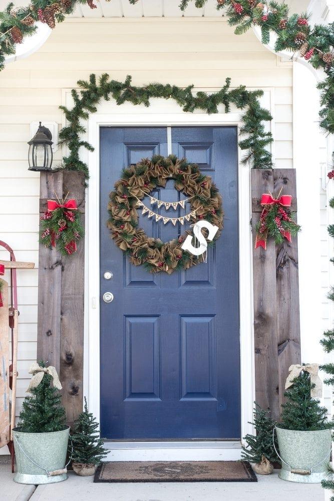 Suburban Rustic Christmas Front Porch | blesserhouse.com