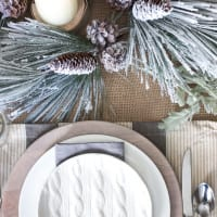 Simple Rustic Winter Tablescape