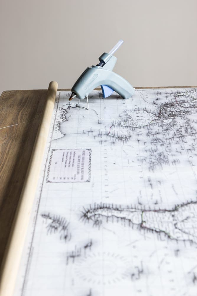Roll Down World Map.Diy Vintage Pull Down Map Bless Er House