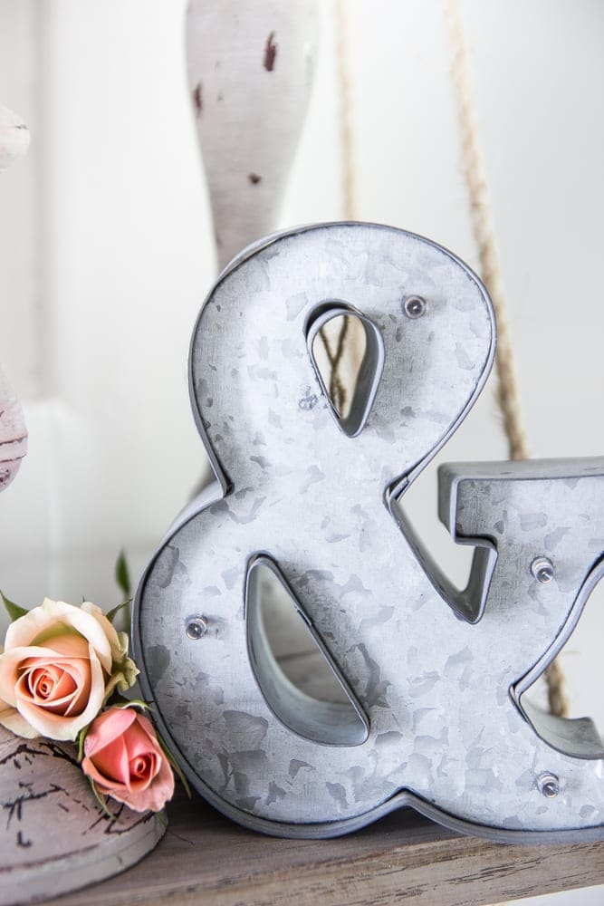 Valentine's Shelf Vignette + Free Printable   blesserhouse.com