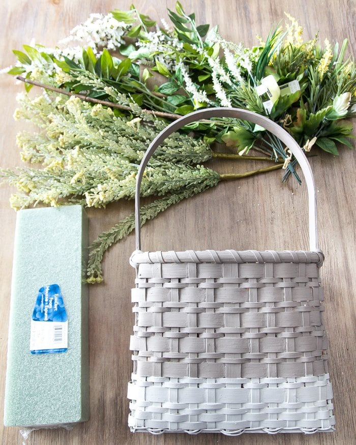 DIY Floral Door Basket | blesserhouse.com - Cute wreath alternative for spring and summer! And you can just put fall leaves in for autumn and evergreen branches in for winter.