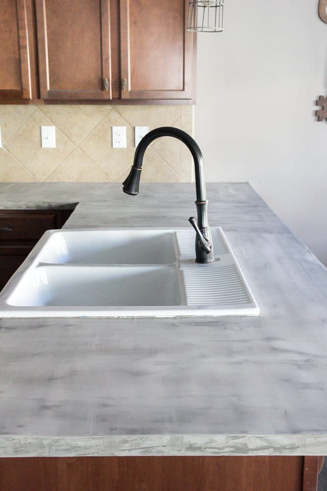 Awesome DIY Feather Finish Concrete Countertops And How To Avoid A Huge Mistake |  Blesserhouse.com