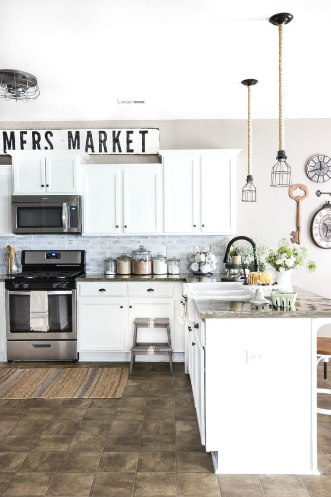 Modern Farmhouse Kitchen Makeover Reveal | blesserhouse.com - So many budget-friendly DIY projects packed into one kitchen!