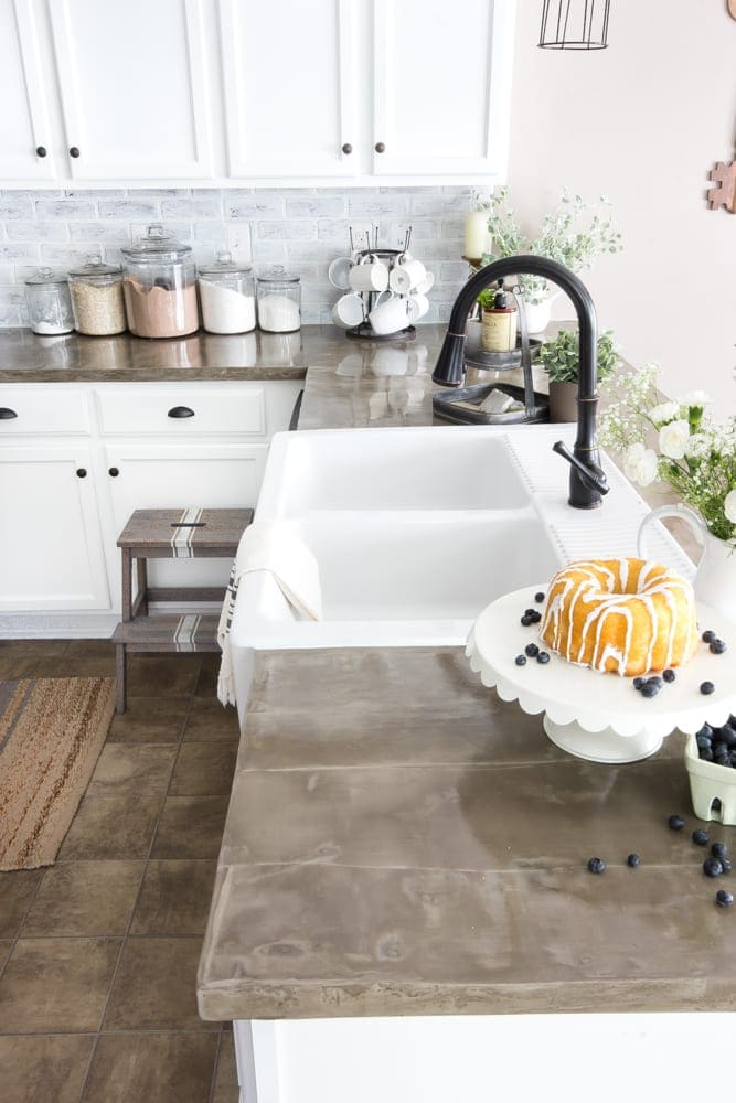 The Good, Bad, And Ugly Of Concrete Countertops | Blesserhouse.com   What