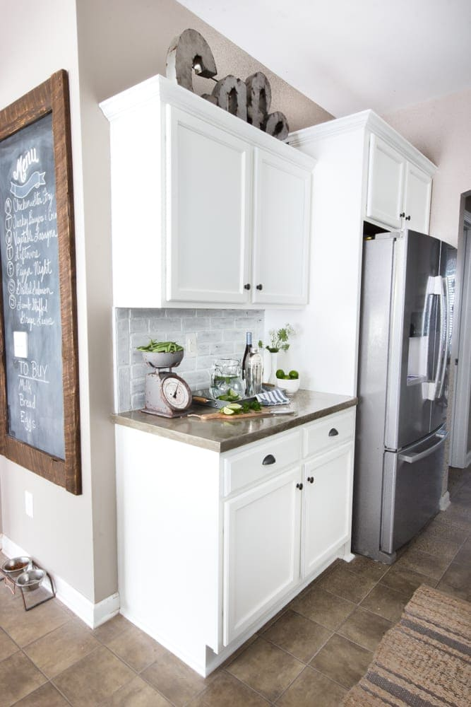 Modern Farmhouse Kitchen Makeover Reveal | Blesserhouse.com   So Many  Budget Friendly DIY