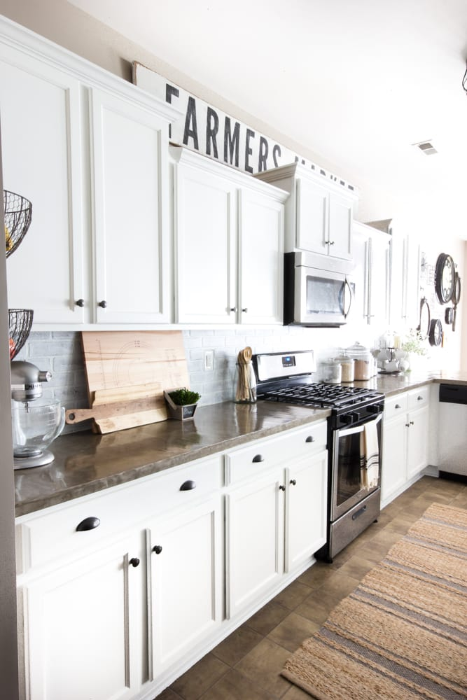 Modern farmhouse kitchen makeover reveal blesserhouse com so many budget friendly diy