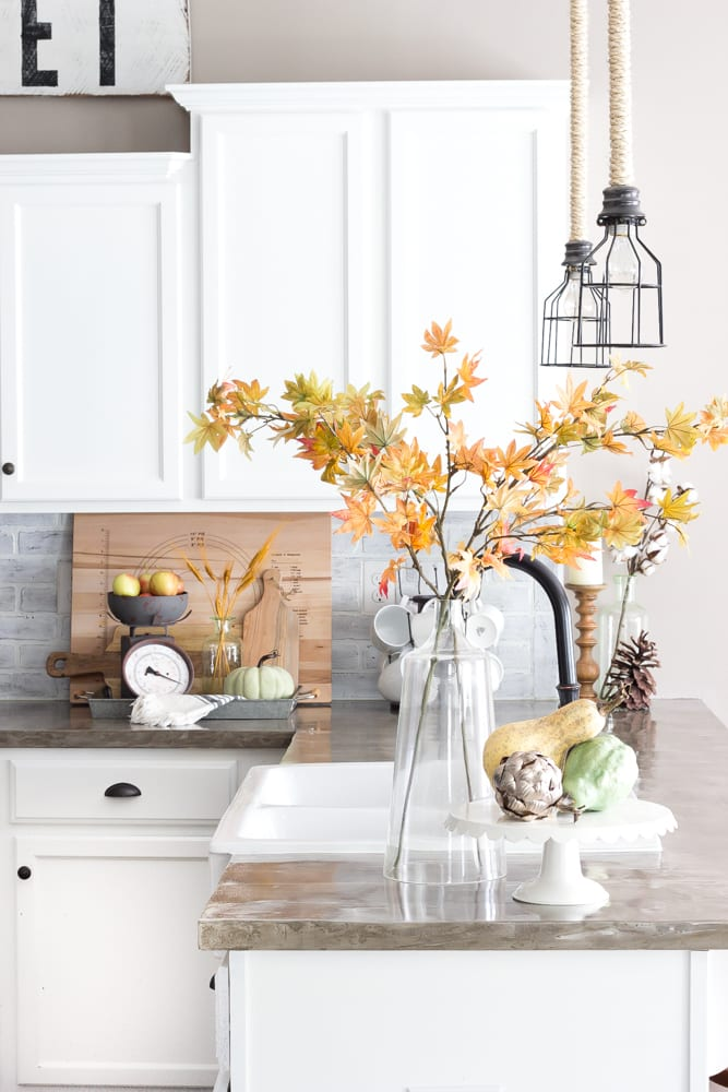 Fall Home Tour 2016 | blesserhouse.com - Tips and tricks for how to incorporate fall decor easily and inexpensively in your home.