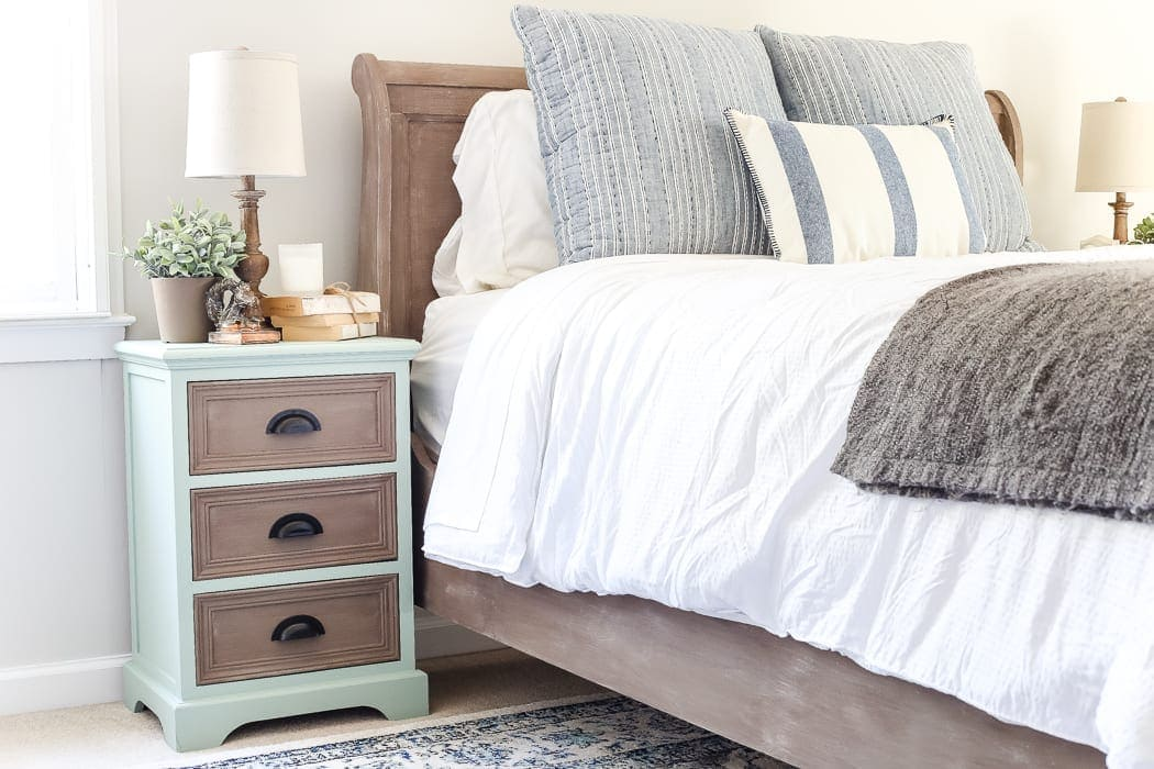 Two Tone Nightstands Makeover | blesserhouse.com - Plain nightstands get a colorful two tone makeover using Fusion Mineral Paint Brook and Algonquin.