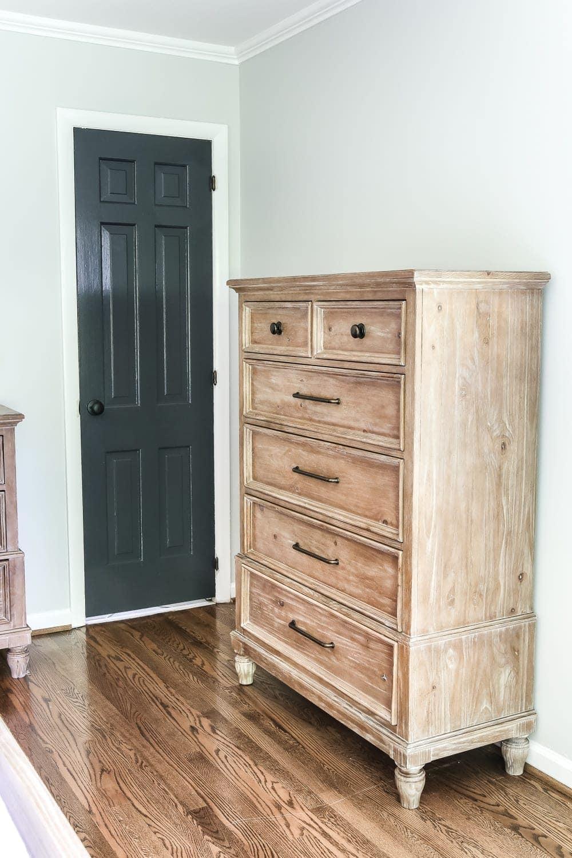 How To Update Pine Bedroom Furniture Best 25 Repainting