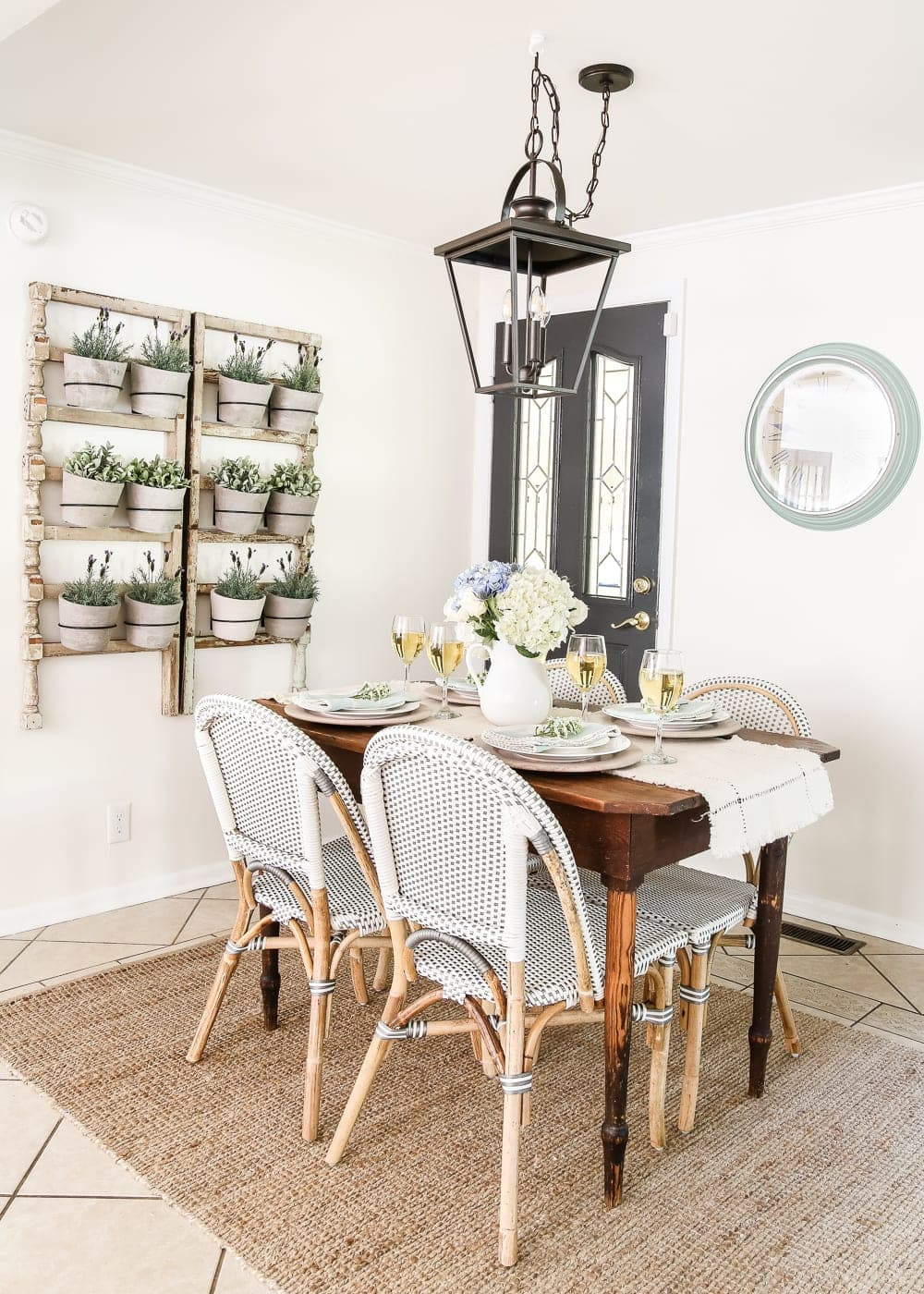 French farmhouse breakfast nook