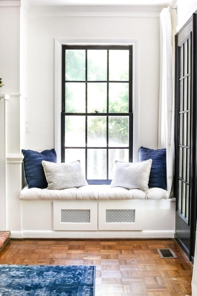 Terrific Diy Window Seat From A Kitchen Cabinet Blesser House Pabps2019 Chair Design Images Pabps2019Com