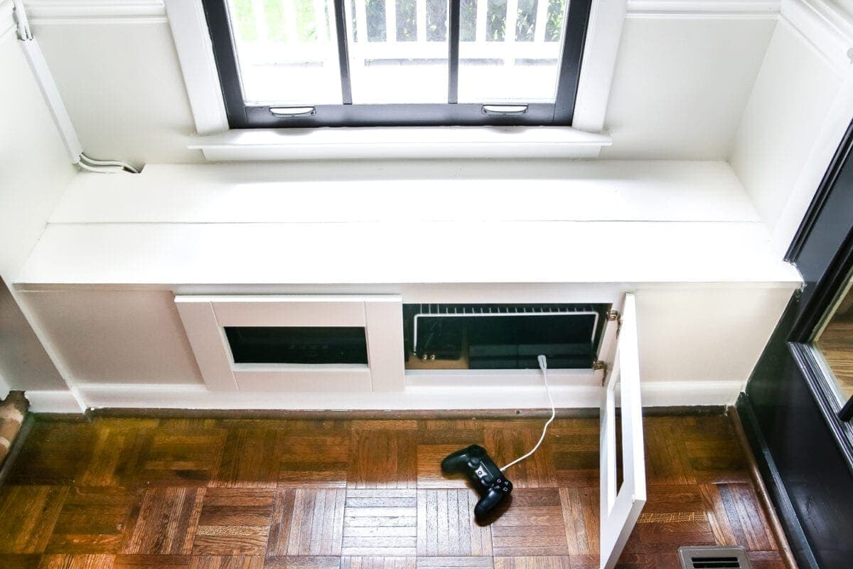 Swell Diy Window Seat From A Kitchen Cabinet Blesser House Creativecarmelina Interior Chair Design Creativecarmelinacom
