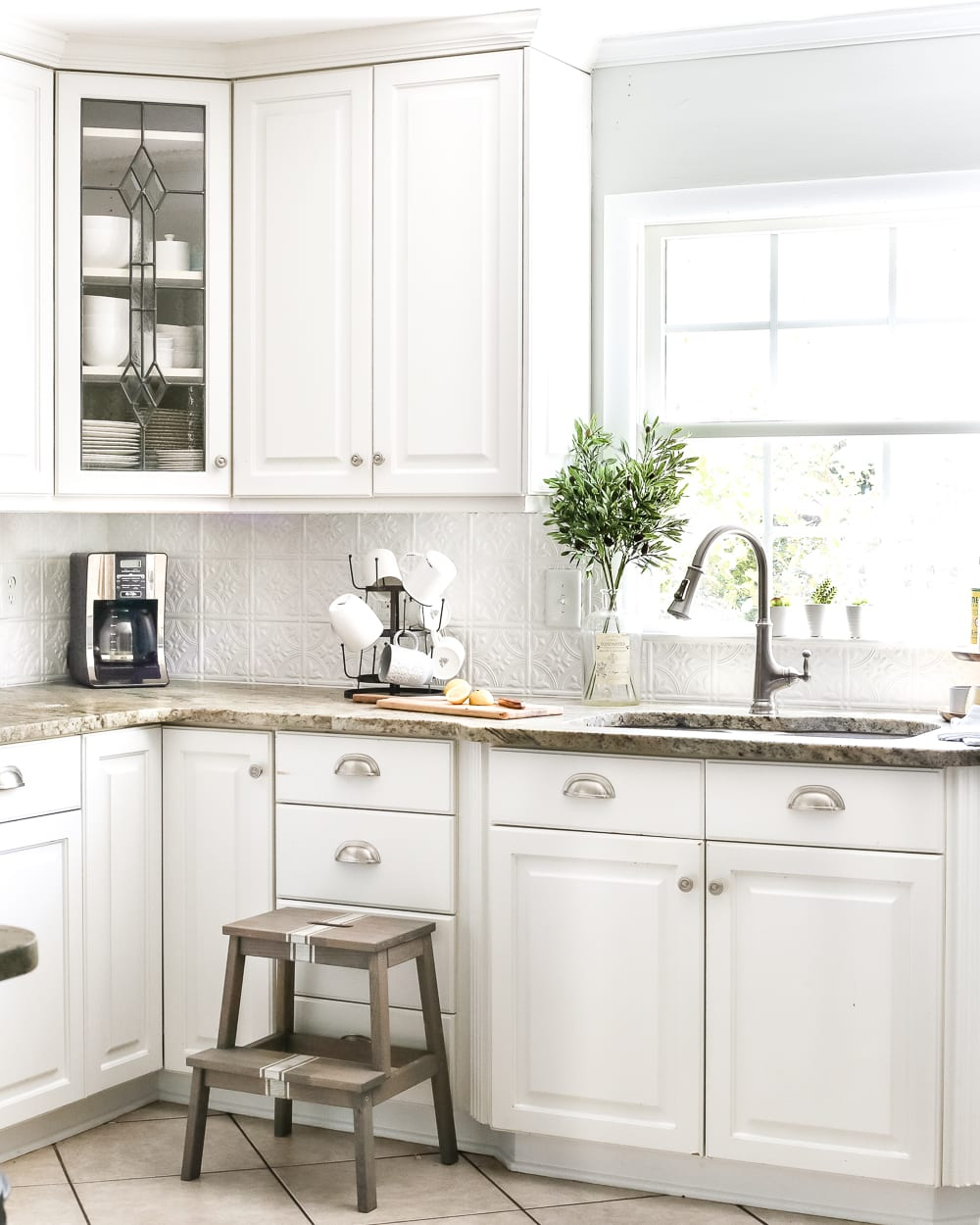 Attrayant DIY Pressed Tin Kitchen Backsplash | Blesserhouse.com   How To Makeover A Kitchen  Backsplash