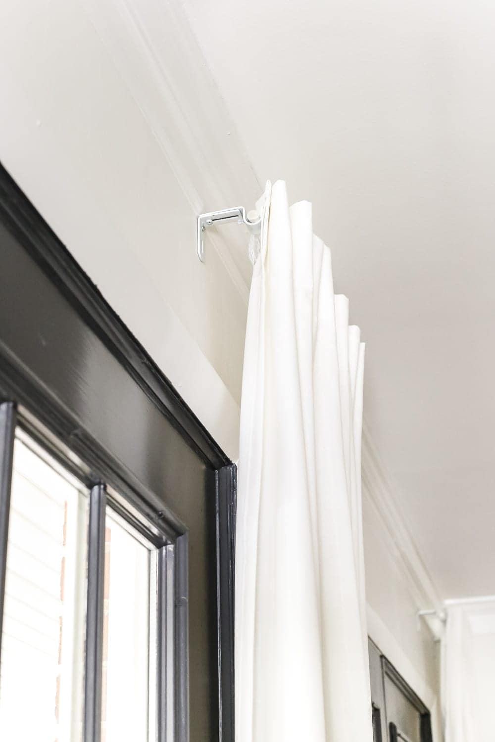 how to fake a long curtain rod bless 39 er house. Black Bedroom Furniture Sets. Home Design Ideas