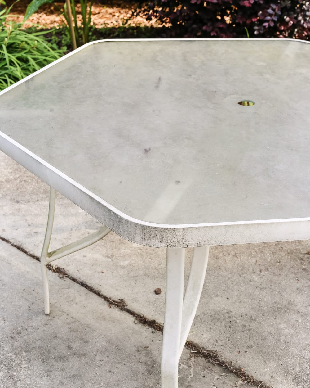 How to Revive a Patio Table Blesser House