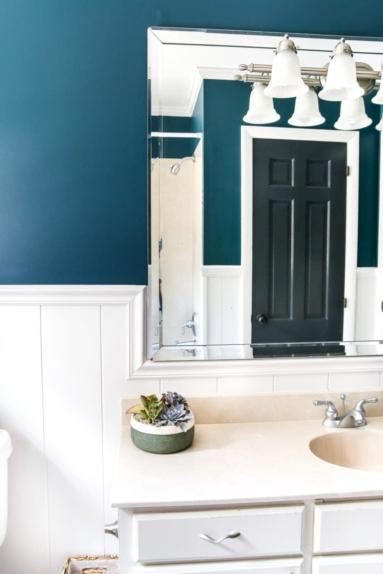 Teal Painted Bathroom Makeover