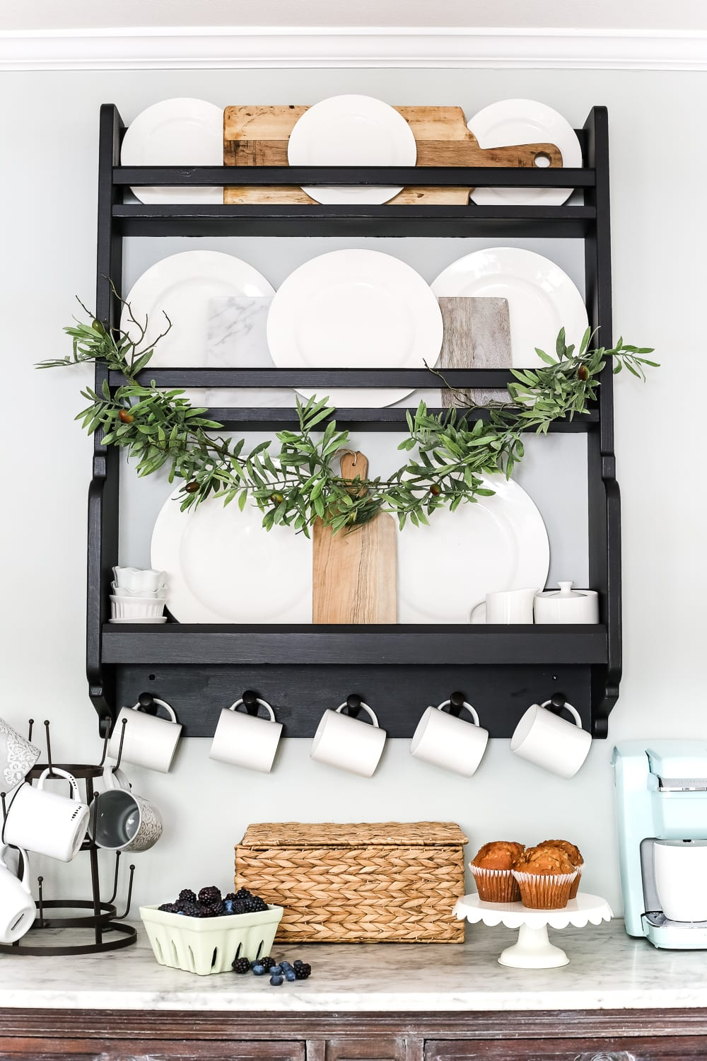 The Top 20 IKEA Items That Look High End For A Low Price To Decorate