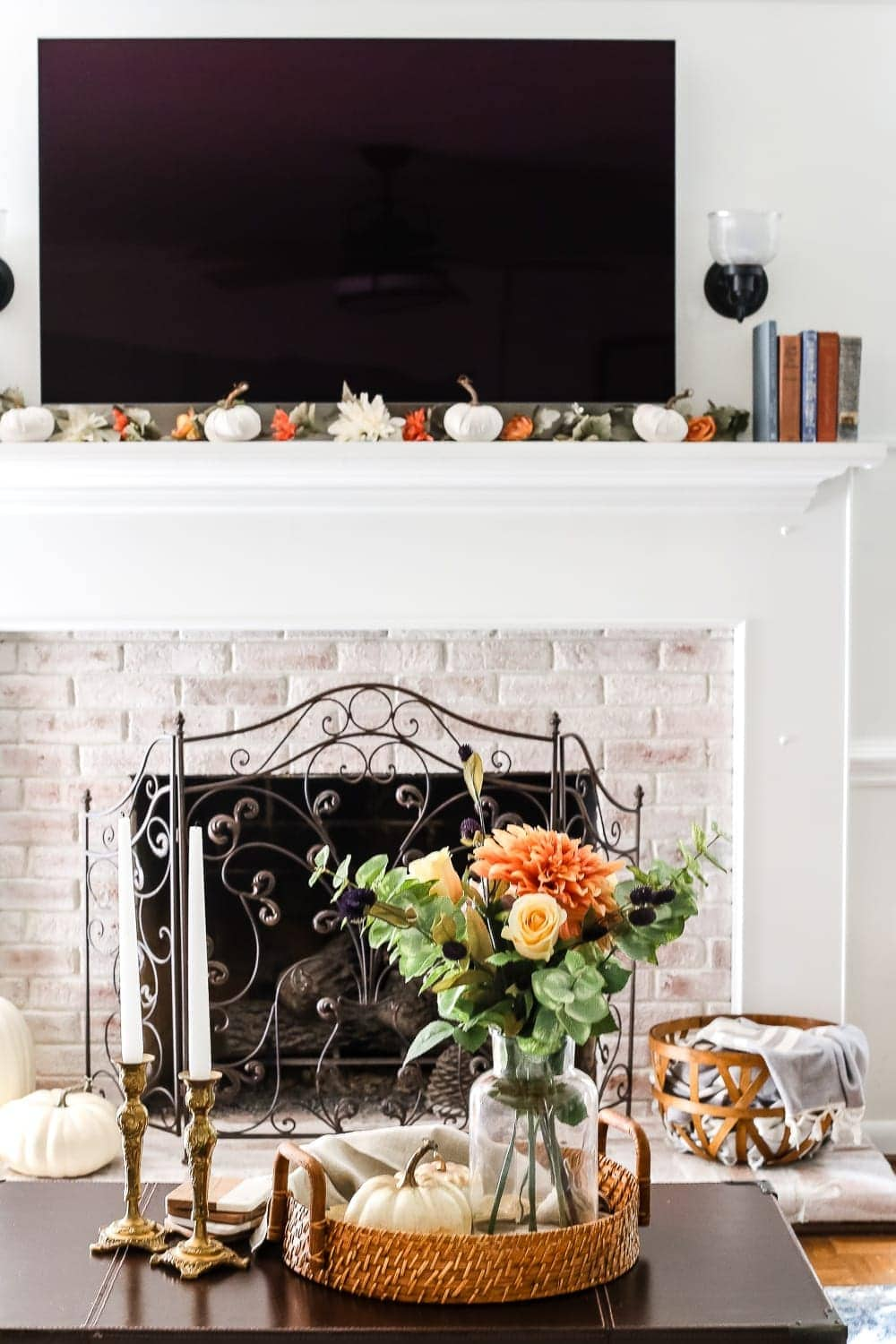 8 Fall Decorating Tips On A Budget + Fall Home Tour 2017 | Blesserhouse.com