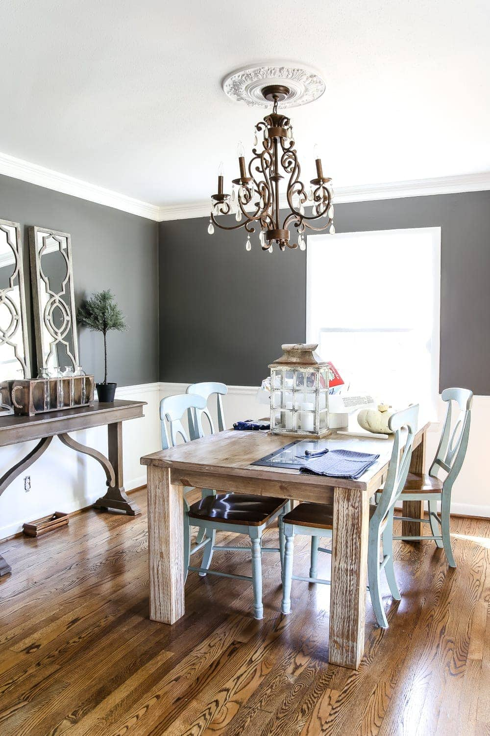 Messy House Tour 2017   blesserhouse.com - A real life messy house tour of a blogger with a little perspective makeover. #hometour