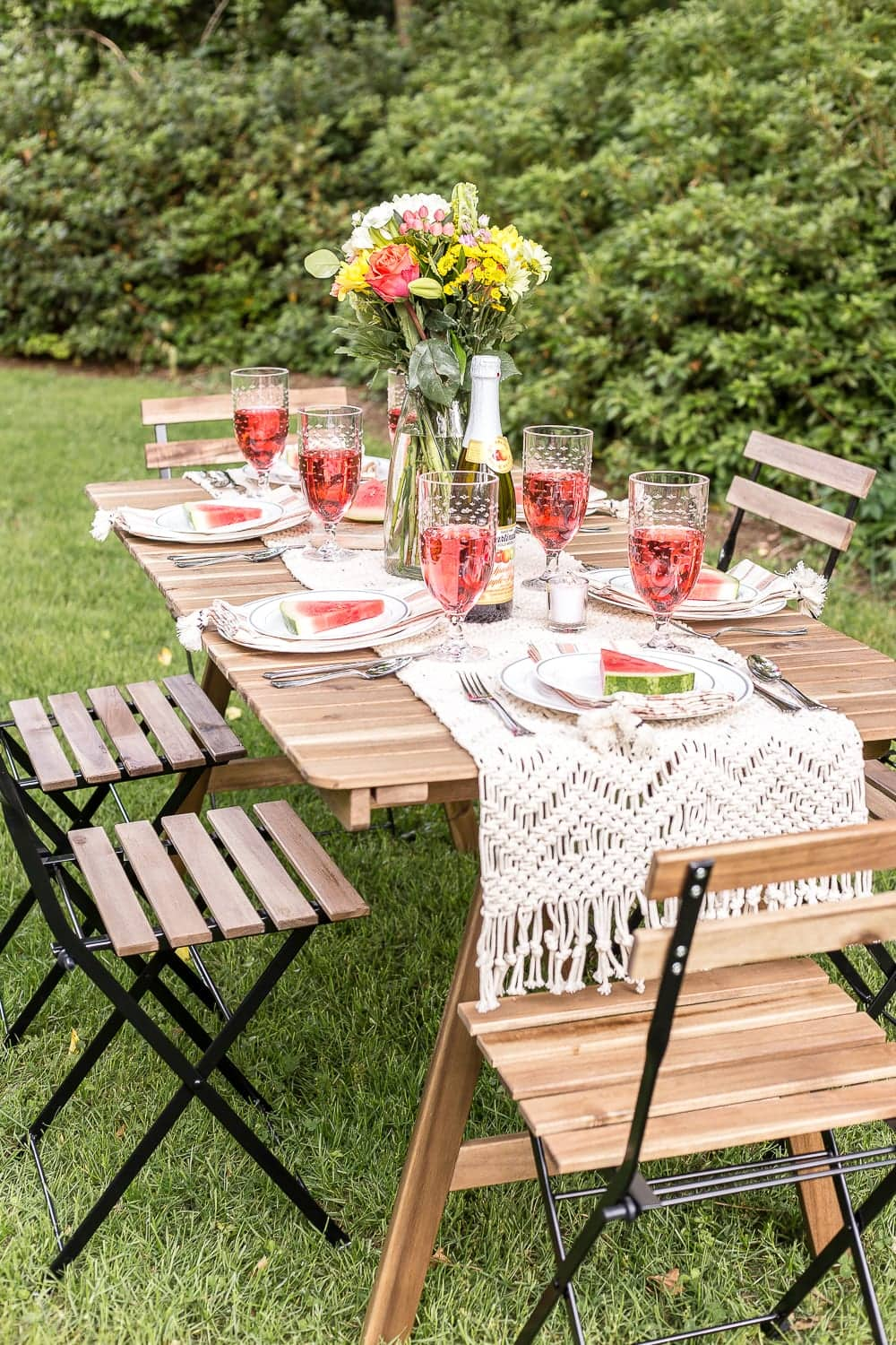 Wondrous Backyard Barbecue Summer Tablescape Blesser House Beutiful Home Inspiration Ommitmahrainfo