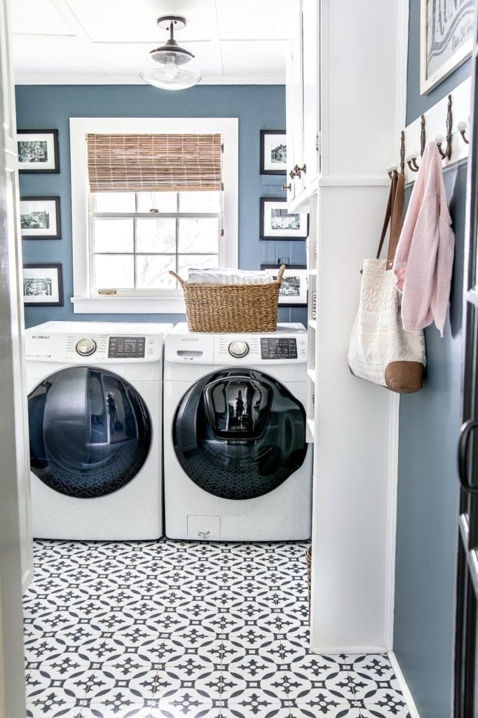 laundry room with patterned vinyl tile