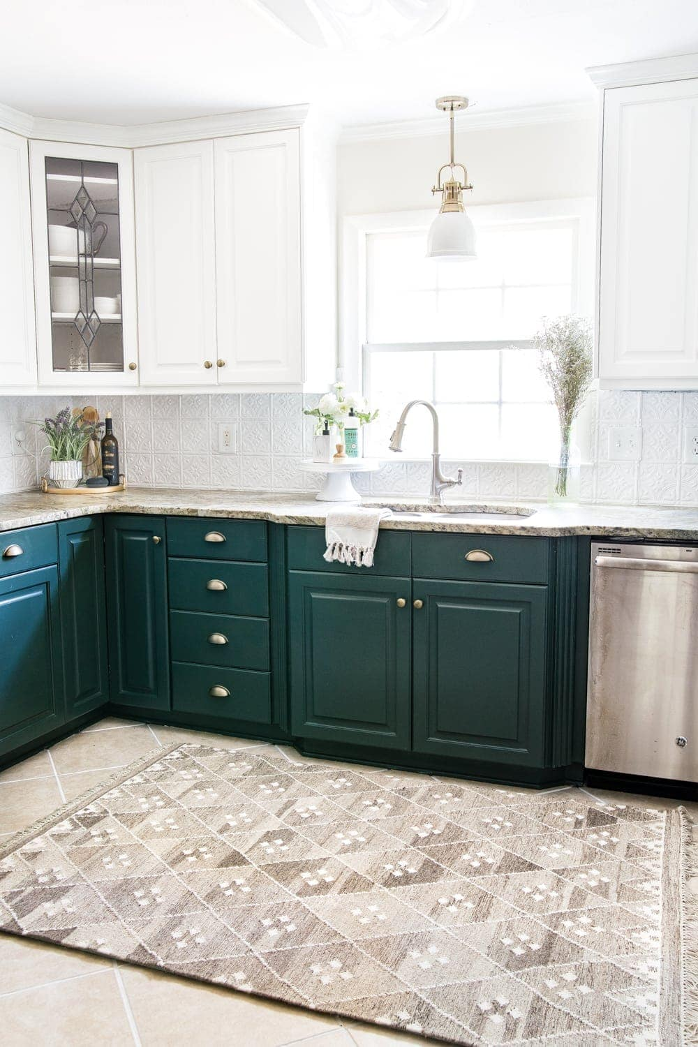 Kitchen cabinet paint colors - Sherwin Williams Billiard Green and Benjamin Moore Simply White