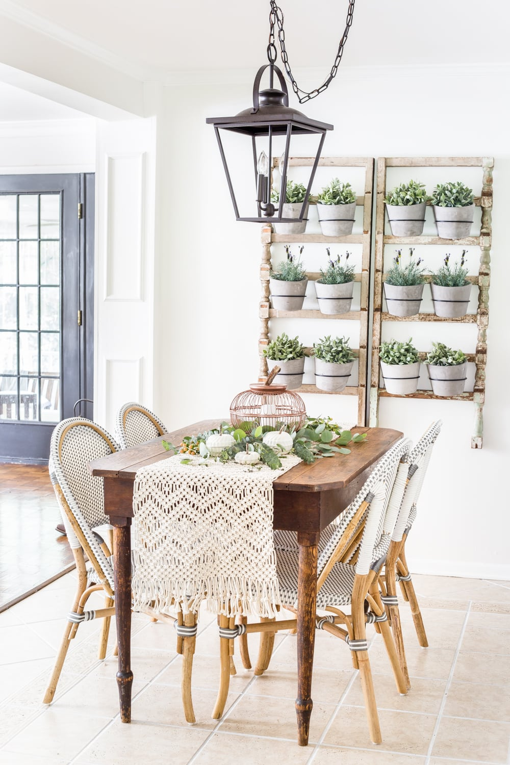 neutral fall breakfast nook