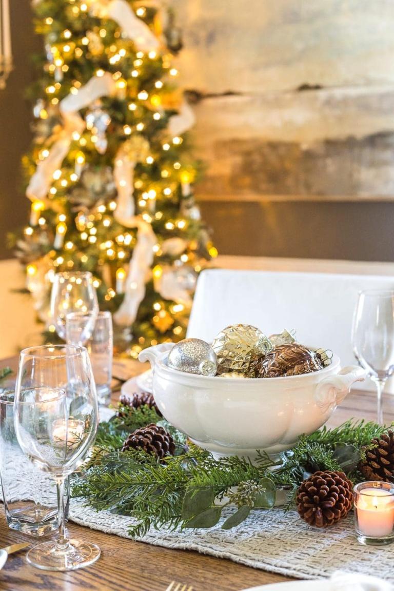 24 Thrifty Designer Christmas Decorating Ideas