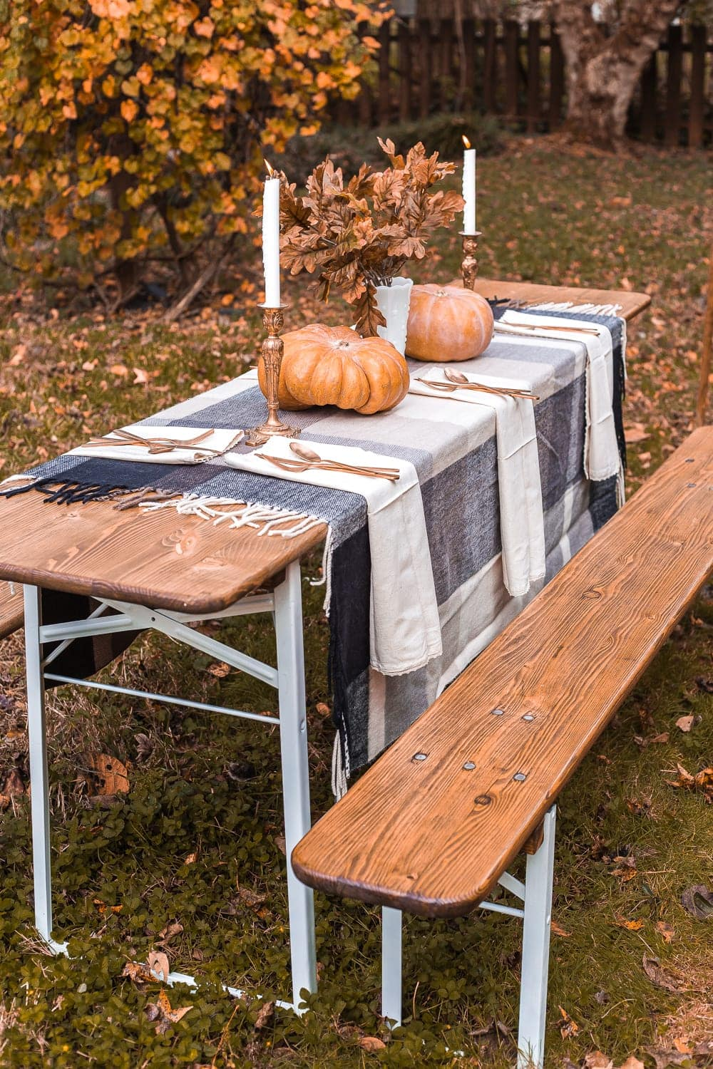 Thanksgiving alfresco beer garden table