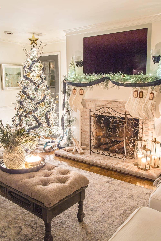 Christmas Candlelight Night Tour | Living Room and Fireplace