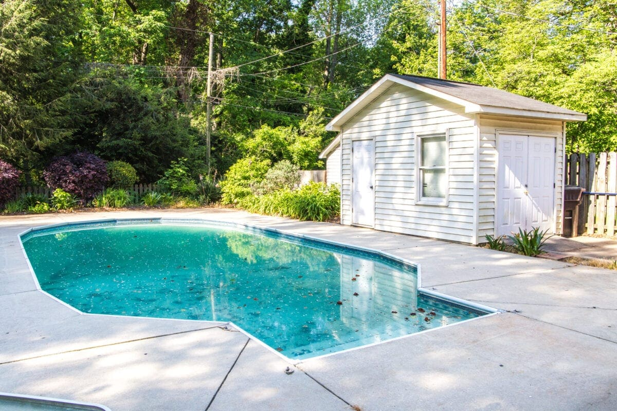 Backyard Before Tour and Pool Makeover Plans | blesserhouse.com - Ideas for improving a shabby backyard and pool