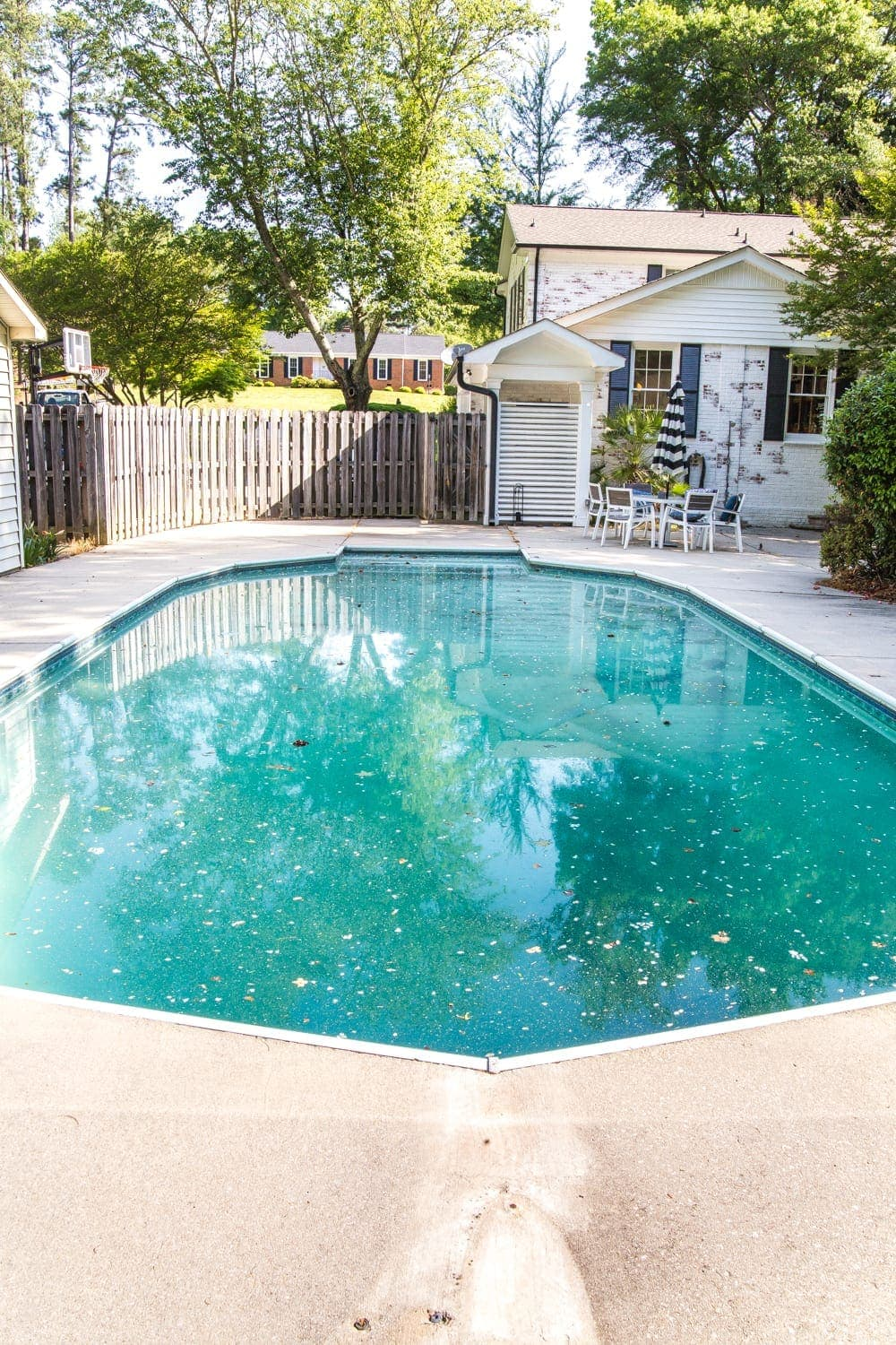 Backyard Before Tour and Pool Makeover Plans | blesserhouse.com - Ideas to improve a shabby backyard and vinyl liner pool