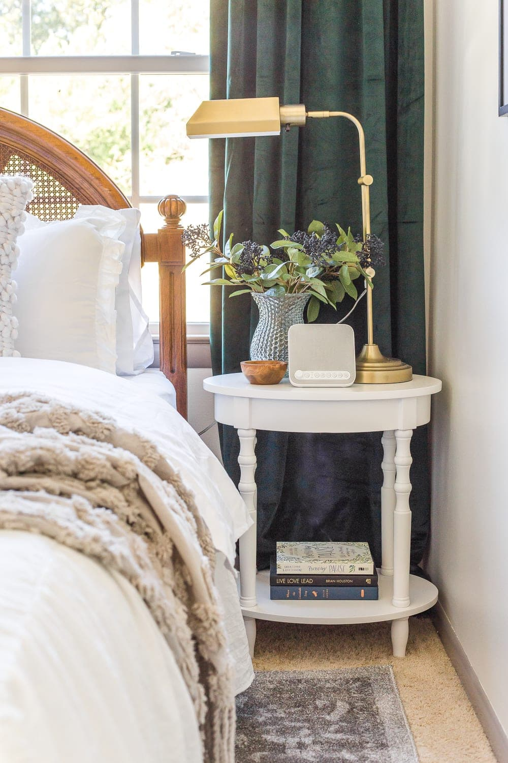 38 Essentials For The Perfect Guest Bedroom Blesser House