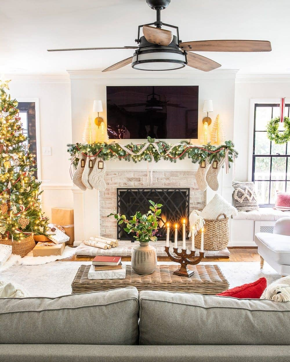 Christmas decor ideas | Christmas mantel with TV and living room