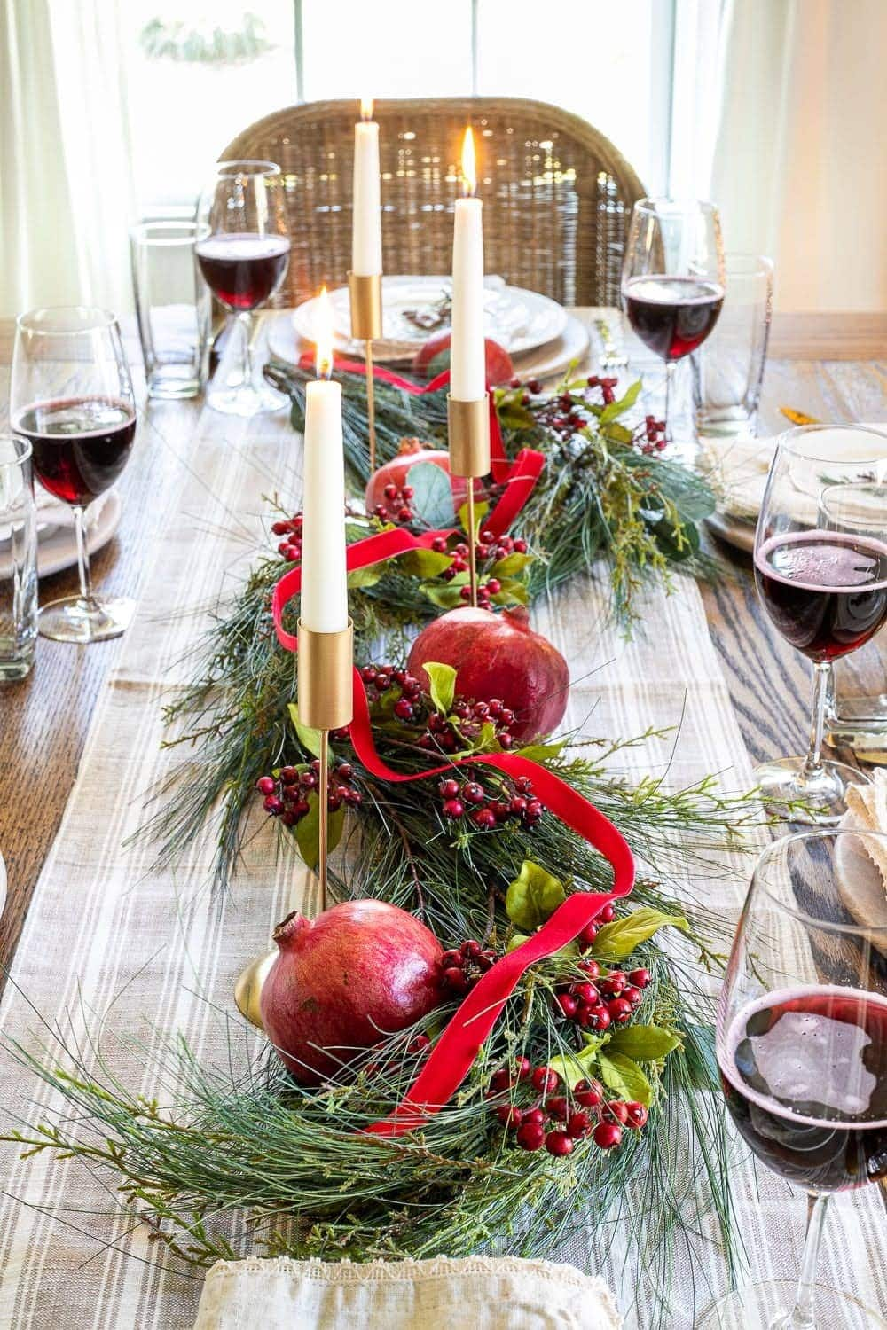 Christmas decor ideas | simple Christmas centerpiece