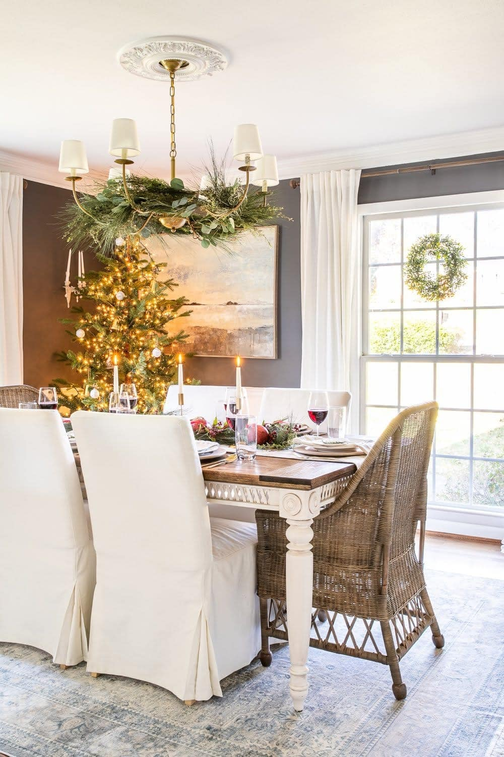 Christmas decor ideas | vintage modern Christmas dining room