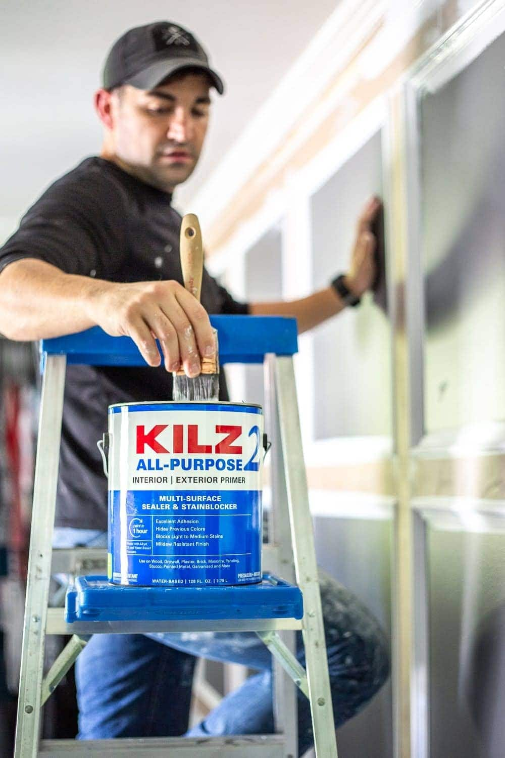 5 rules about primer and paint we wish we had known as beginner DIYers and how to create a paint finish on walls, doors, trim, and moldings that last. | Master Bedroom Refresh with Kilz®
